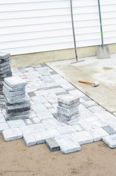 DIY Paver Patio | simply kierste.com A DIY Paver Patio is totally within your reach...and this step-by-step tutorial will show you how to have the perfect place to relax this summer!