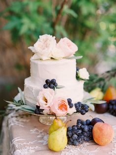 two tier wedding cake  from Trendy Bride's Winter/Spring 2017 cover shoot http://www.trendybride.net/category/wedding-inspiration/