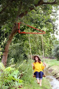 Swing: create your play area everywhere you want Playhouse Outdoor, Outdoor Toys, Outdoor Art, Backyard Creations, Backyard Play, Outdoor Playground, Back Gardens, Outdoor Projects, Play Houses