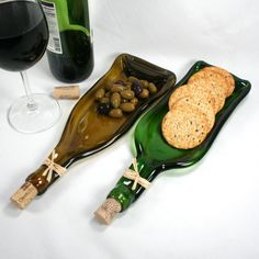 Dark Green Wine Bottle Molded Serving Tray Spoon Rest Cork Recycled Melted Wine Bottle Tray Gift Hostess Foodie Eco-Friendly Dark Green Wine Bottle Molded Serving Tray or par ShifflettStudios Melted Wine Bottles, Wine Bottle Art, Wine Bottle Crafts, Alcohol Bottle Crafts, Bottle Slumping, Fused Glass, Spoon Rest, Eco Friendly, Handmade Ceramic