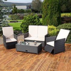 Polyrottinkisohva, kaksi tuolia ja pöytä säädettävillä tuoleilla, 729,95€. Tämän monenlaiseen tilaan soveltuva premium-setin tuoleissa myös nojansäätö! #polyrottinkisohva