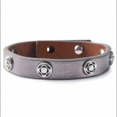 Stella & Dot Clover Single Leather Bracelet