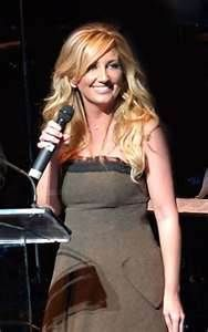 leeann womack - Bing Images Best Country Singers, Country Artists, Country Music, Lee Ann Womack, Country Strong, Cool Countries, I Love Girls, Popular Music, Role Models