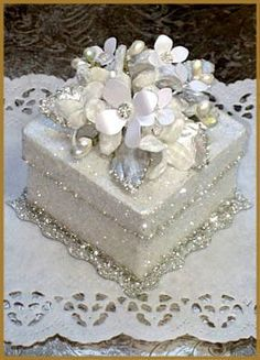 """""""Vintage Glamour"""" Gift Box - Go a bit over the top with your embellishment for . - """"Vintage Glamour"""" Gift Box – Go a bit over the top with your embellishment for an extra spec - Wedding Boxes, Wedding Gifts, Wedding Cake, Shabby Chic Boxes, Organizer Box, Memories Box, Exploding Boxes, Pretty Box, Altered Boxes"""
