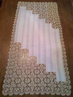 This Pin Was Discovered By Şenel Evin. D - Diy Crafts - Qoster Filet Crochet, Crochet Motif, Crochet Designs, Crochet Doilies, Crochet Lace, Crochet Patterns, Crochet Fabric, Crochet Tablecloth, Basic Embroidery Stitches