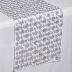 efavormart offers lowest rates of upscale quality Table Runners, Table Cloths, Table Overlays and more. Adorn your party tables with our Sequined Table Runners and Overlays. High Top Table Kitchen, High Top Tables, Top Table Ideas, Diy Table, Patio Bar Set, Pub Table Sets, Table Overlays, Dinette Sets, Pub Set