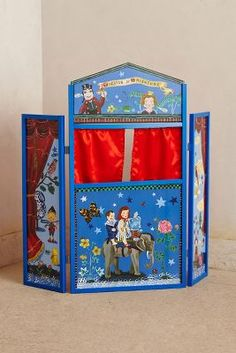 Wooden puppet theater - fantastic gift ideas for kids