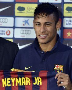 welcome to barcelona neymar congraz Neymar Jr 2014, Fc Barcalona, Neymar Barcelona, Neymar Pic, Star Wars, Play Soccer, Best Player, Football Players, Soccer