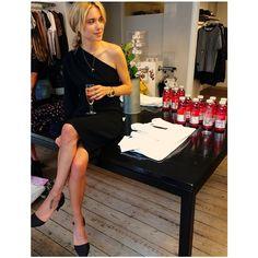 lookdepernille's photo on Instagram One Shoulder, Formal Dresses, Instagram Posts, Fashion, Dresses For Formal, Moda, Formal Gowns, Fashion Styles, Formal Dress