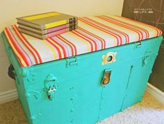 My Fabuless Life: PAINTED & UPHOLSTERED VINTAGE TRUNK BENCH