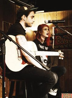 THE NEWS THAT JEREMY DAVIS LEFT PARAMORE MADE ME SO DEVASTATED BUT I KNOW THAT WE, PARAFAMILY, CAN MOVE ON AND CONTINUE SUPPORTING THEM. GOOD LUCK HAYLEY WILLIAMS AND TAYLOR, I KNOW YOU CAN DO THIS. WE WILL SUPPORT YOU BECAUSE WE ARE FAMILY AND YOU ARE PARAMORE!!