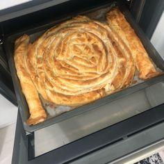 Kendini El Açması Zanneden Kıymalı Börek (Mutlaka Deneyin) – Nefis Yemek Tarifleri Pie, Pasta, Desserts, Food, Torte, Tailgate Desserts, Cake, Deserts, Fruit Cakes