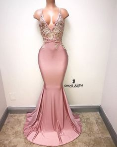 Prom Dress Fitted, V-neck Pink Evening Dress Straps Beads Appliques Mermaid Sexy Prom Dress There are delicate lace prom dresses with sleeves, dazzling sequin ball gowns, and opulently beaded mermaid dresses. Black Girl Prom Dresses, Unique Prom Dresses, Pretty Dresses, Sexy Dresses, Beautiful Dresses, Formal Dresses, Formal Prom, Wedding Dresses, Bridesmaid Dresses