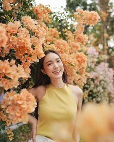 Ulzzang Fashion, Ulzzang Girl, Photo Action, Portrait Photography Poses, Lifestyle Photography, Instagram Pose, Korean Fashion Trends, Girl Poses, Beauty Women