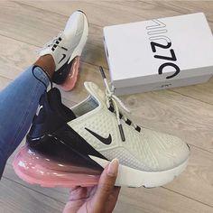 Neues Paar Nike Air Max 270 SE mit Swa Nike Shoes nike slip on sneakers for women Black Nike Sneakers, Moda Sneakers, Cute Sneakers, Black Nikes, Shoes Sneakers, Nike Trainers, Kd Shoes, Nike Air Shoes, Pink Nikes