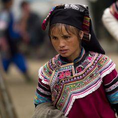 China | Yunnan Yi minority woman | © Eric Lafforgue