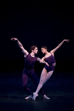 Beatriz Stix-Brunell and Tristan Dyer in Polyphonia. © Bill Cooper/ROH 2012