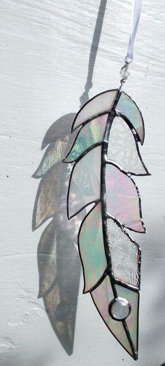 Stained Glass Feather Sun CatcherWindow ArtMixed by WylloWytch Stained Glass Light, Stained Glass Suncatchers, Stained Glass Designs, Stained Glass Projects, Stained Glass Patterns, Wedding Birds, Glass Artwork, Window Art, Glass Jewelry