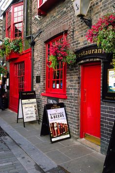 Pub in London, England