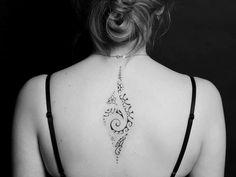 Un dessin sur mon corps : mon premier Tatouage. Tatouage polynésien dos femme.