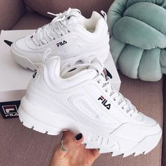 Shop Women's Fila White size Sneakers at a discounted price at Poshmark. Description: FILA sneakers Size Worn but in great condition Cleaned but I will clean more I'd wanted :). Moda Sneakers, Sneakers Mode, Casual Sneakers, Sneakers Fashion, Shoes Sneakers, Fila White Sneakers, Chunky Sneakers, Women's Shoes, Shoes Style