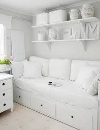 For spare room - ikea Hemnes day bed - white Home Bedroom, Girls Bedroom, Bedroom Decor, Girl Rooms, Trendy Bedroom, Bedroom Colors, Day Bed Decor, Girls Daybed, Blush Bedroom