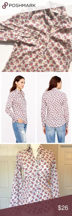 J. Crew Perfect Shirt in Papaya Paisley This shirt is sold out and retailed for $88! The size tag is missing but I'm confident that it is a size small (that is the size I always wear). Bust: 35 inches. Length: 24 inches. Excellent condition!! 100% cotton. J. Crew Tops Button Down Shirts