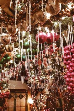 rolfs restaurant christmas decorations new york city holiday guide