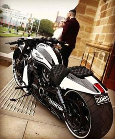 Awesome Harley davidson bikes photos are available on our web pages. Awesome Harley davidson bikes photos are available on our web pages. Vrod Harley, Motos Harley, Harley Bikes, Harley Davidson Bikes, Harley Gear, Bobber Motorcycle, Moto Bike, Motorcycle Outfit, Motorcycle Store