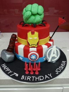 The Avengers Cupcakes Cupcakes Superhero Party Pinterest