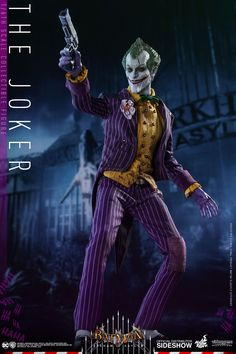 DC Comics The Joker Sixth Scale Figure by Hot Toys