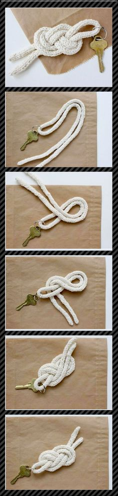 Chaveiro feito de nó com um cordao