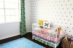 how to do a patterned dot wall, patterned dot wall, vinyl dot wall, pattern dots on wall, gold dot wall, gold vinyl dots, diy gold dot wall, gold vinyl