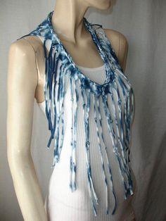 Shredded,Braided,Fringed T Shirt Necklace Recycled T Shirts, Fabric Yarn, Ladies Accessories, Diy Accessories, Fabric Jewelry, T Shirt Diy, Learn To Sew, Diy Clothes, Diy Fashion