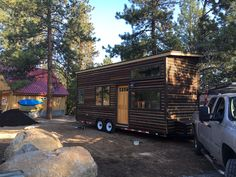 An owner-built tiny house on wheels built from mostly reclaimed materials in Bend, Oregon. Owned and shared by Hannah Tanler. More info. To Be Tanlers Tiny House