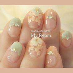 連日大人気の 桜 フレンチネイル!グリーンと合わせるのも人気です!お花見に♪ #my_room #ネイルブック