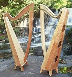 This is my Thormahlen Harp, The Swan, maple and curly maple, very mellow, rich sound!