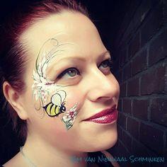 Bee flowers facepaint Flowers Nature, Carnival, Bee, Artists, Inspiration, Biblical Inspiration, Honey Bees, Carnavals, Bees