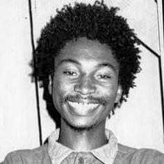 Jah Ruler - Silky Voice - Garnet Silk. Garnet Silk, Black Music Artists, Reggae Artists, Caribbean Culture, Reggae Music, Dance Hall, Bob Marley, Music Lovers, Music Is Life
