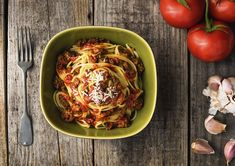 No fuss, no fail, amazing spaghetti. Cheap Healthy Dinners, Healthy Pastas, Healthy Crockpot Recipes, Pasta Recipes, Dinner Recipes, Beef Pasta, Tasty Dishes, Italian Recipes, Food