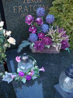 Grave Flowers, Funeral Flowers, Wedding Flowers, Funeral Flower Arrangements, Floral Arrangements, All Saints Day, Flower Aesthetic, Ikebana, Flower Decorations