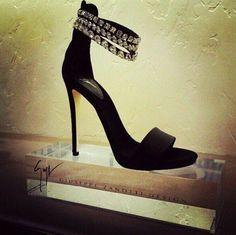 heel fetish, fashion, giuseppe zanotti, bridal shoe, giusepp zanotti, highheel, high heel, glorious shoe, guisepp zanotti