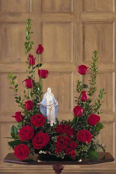 Funeral Floral Arrangements, Summer Flower Arrangements, Modern Floral Arrangements, Rose Arrangements, Summer Flowers, Altar Flowers, Church Flowers, Funeral Flowers, Christmas Flower Decorations