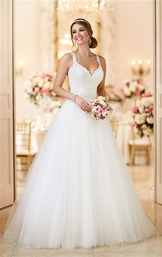 5bafb597ea Convertible  Wedding Dress. Gorgeous Lace   Tulle Convertible Gown