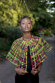 4 Factors to Consider when Shopping for African Fashion – Designer Fashion Tips African Necklace, African Jewelry, Ethnic Jewelry, Fashion Brand, New Fashion, Fashion Beauty, Fashion Outfits, Fashion Tips, Fashion Styles