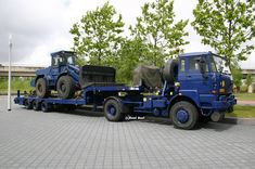 DAF YVT 2300 with Werklust Shovel Military Police, Army, Marine, Emergency Vehicles, Safety And Security, Police Cars, Shovel, Jeeps, Military Vehicles