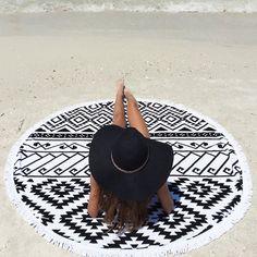 Beach Lulu Round Beach Towel with Tassels par BeachEssentials