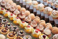 Sitni #kolači, Komadni kolači, Posni kolači, #Mafini, #Torte, Deserti i Čajna peciva. Pogledajte sve naše predloge na sledećoj strani: http://www.receptizakolace.rs/