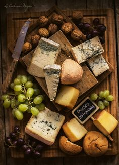 Cheese from Asturias Charcuterie Cheese, Cheese Platters, Cheese Shop, Cheese Lover, Wine And Cheese Party, Wine Cheese, Hummus, Queso Cheese, Gula