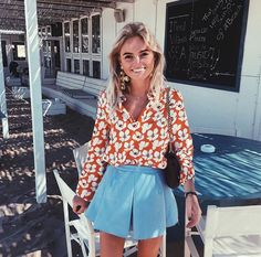 Claartje Rose, Dutch bogger, flower print blouse, blue A-line skirt Daily Fashion, Fashion Beauty, Kylie, Summer Outfits, Cute Outfits, Summer Clothes, Spring Looks, Trends, Photo Instagram